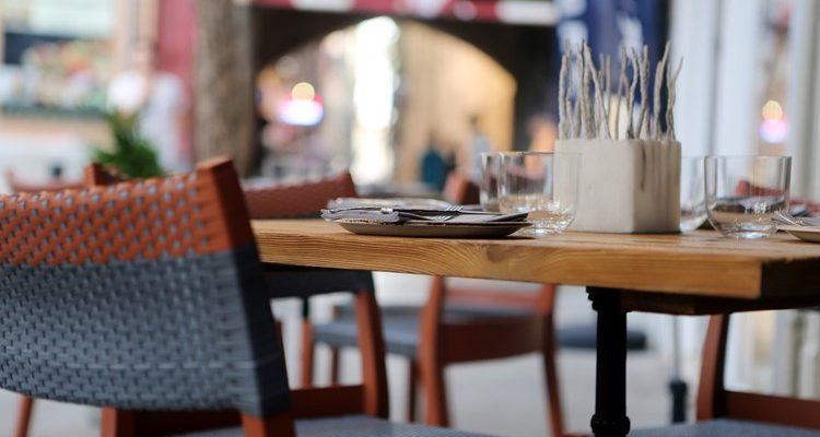 Tabouret de bar et chaises de bar ?